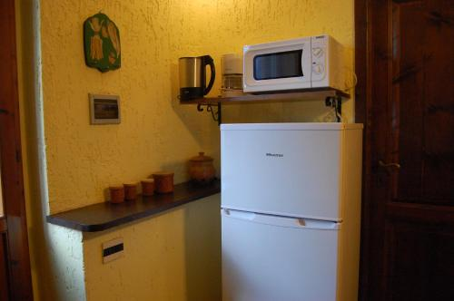 A kitchen or kitchenette at Residence Casa Lama