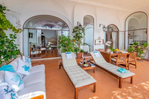 Casa passalacqua positano updated 2019 prices for Casa positano