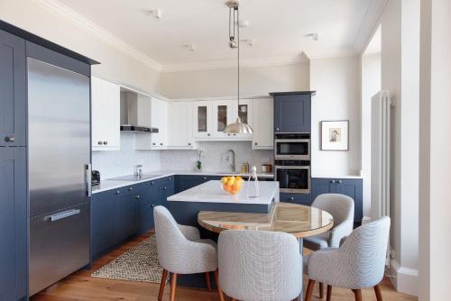 Kuhinja ili čajna kuhinja u objektu 30B The Scores - 2018 luxury sea view apartment