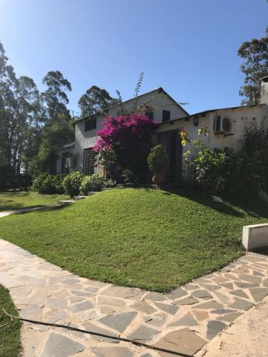 Casa de campo con piscina y bosque, Montevideo – Updated ...