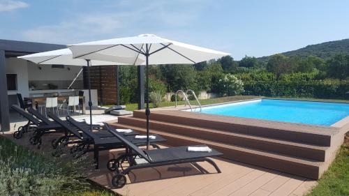 The swimming pool at or near Villa Sessa