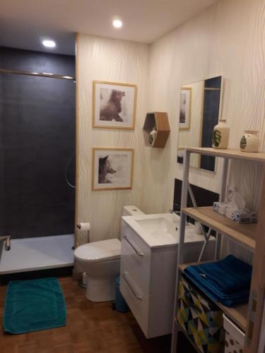 A bathroom at Le Watson