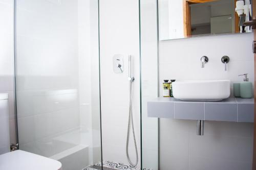 A bathroom at Avgerou Studios and Apartments
