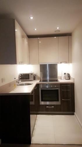 A kitchen or kitchenette at Harbour view