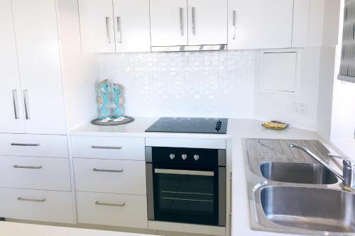 A kitchen or kitchenette at Waterview Resort