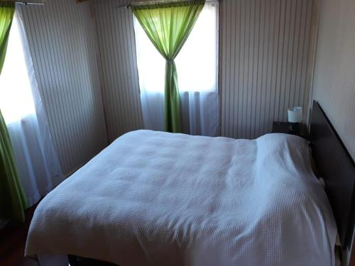 A bed or beds in a room at Cabañas la Estrella