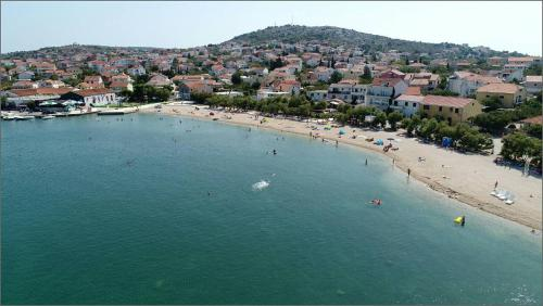 "A bird's-eye view of Apartman ""Ana"" na plaži"