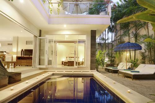 The swimming pool at or near Villa Alba