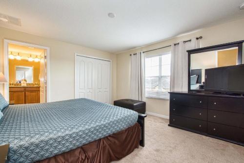 Uma cama ou camas num quarto em Paradise Palms 8931