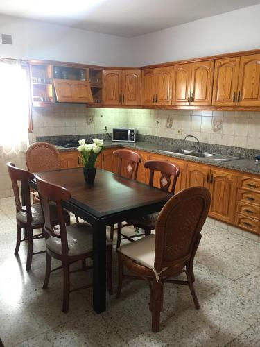 A kitchen or kitchenette at Sofia
