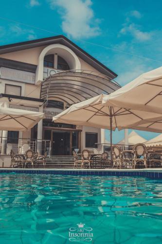 Piscina di Hotel Insonnia o nelle vicinanze