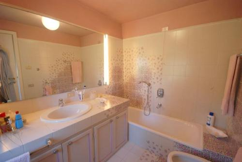 A bathroom at Lucca Villa Sleeps 6 Pool Air Con WiFi