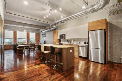 Kuchyň nebo kuchyňský kout v ubytování Downtown Dallas Luxury Condos by Hosteeva