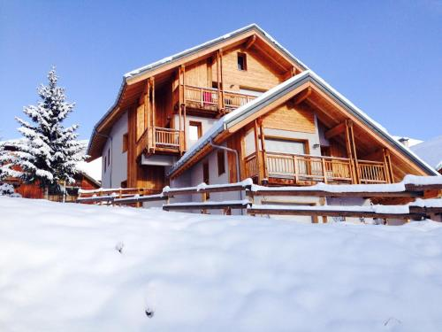 Chalet Arvina during the winter