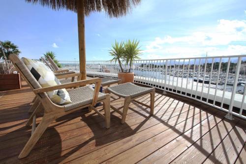 A balcony or terrace at Bleu Mer Duplex & Suites