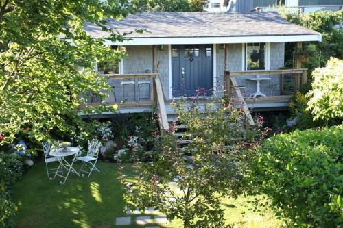 Garden Cottage B & B