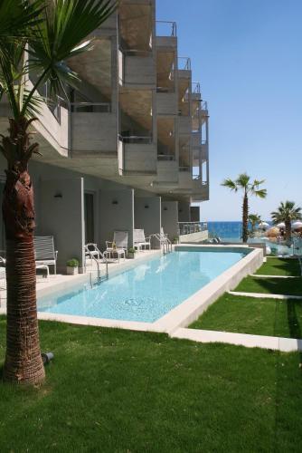 Baseinas apgyvendinimo įstaigoje Anastasia Star Beach Hotel & Spa arba netoliese