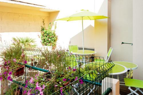 Chambre et table d'hôte Le Papillon Ceret Appartements et Seminaires