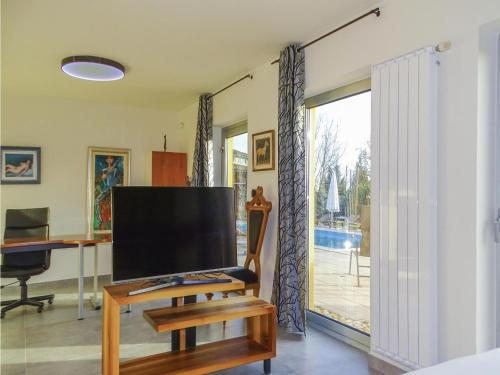 TV/Unterhaltungsangebot in der Unterkunft Eight-Bedroom Holiday Home in Krizevci pri Ljutomeru