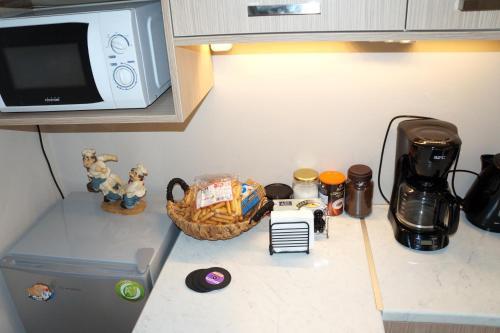 Кухня або міні-кухня у Best VFM in Athens