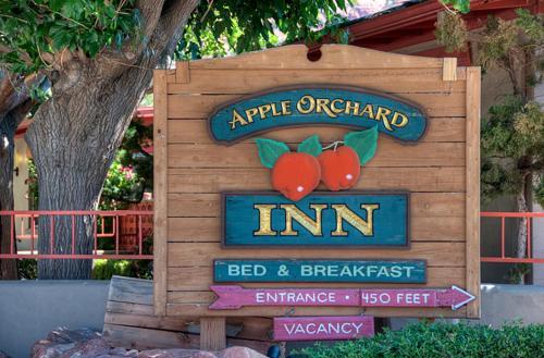 Apple Orchard Inn