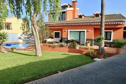 Vakantiehuis Casa de lujo con piscina y jardín. (Spanje ...