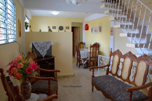 Area tempat duduk di Valia Vacation Apartment