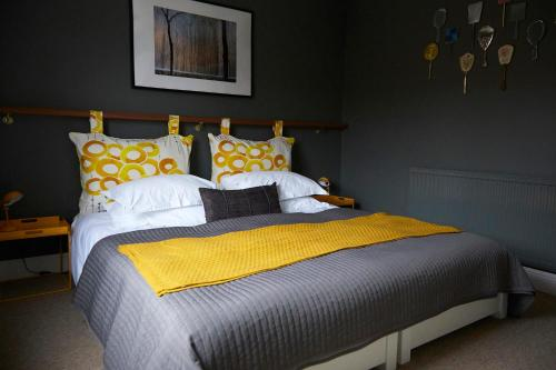 A bed or beds in a room at Osprey