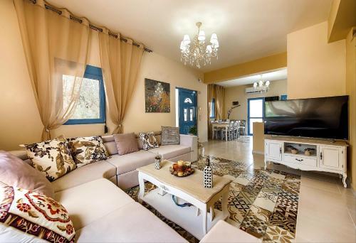 Χώρος καθιστικού στο Lindos Luxury Retro Villas