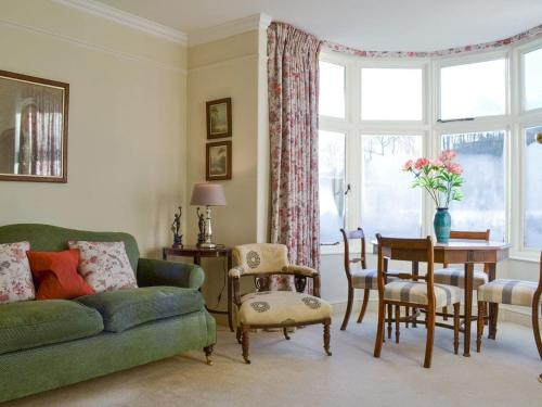 A seating area at Bluebell Cottage