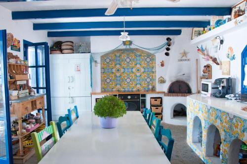 Η κουζίνα ή μικρή κουζίνα στο Dream property pool, jacuzzi and sea