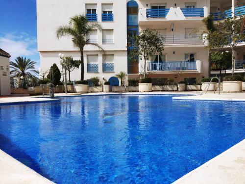 The swimming pool at or near Apartamento Bellavista