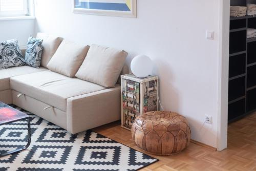 A seating area at Vienna Living Apartments - Pilgramgasse