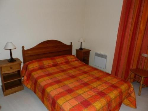 Un ou plusieurs lits dans un hébergement de l'établissement Apartment Ax-les-thermes - 4 pers, 39 m2, 2/1