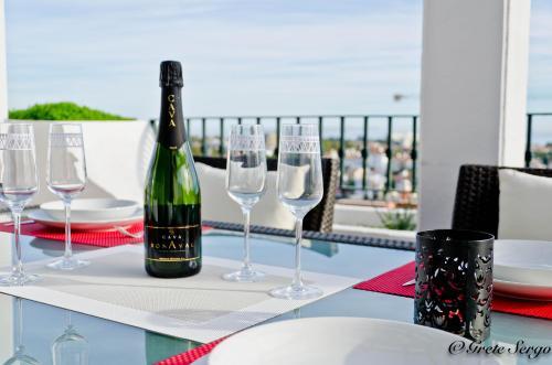 A restaurant or other place to eat at Enjoy Balcon de Benavista Penthouse
