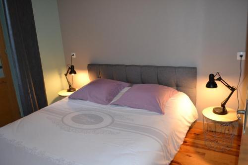 Un ou plusieurs lits dans un hébergement de l'établissement Moulin de Saint Laurent