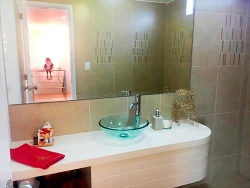 A bathroom at Apartment in Miraflores next to Larcomar