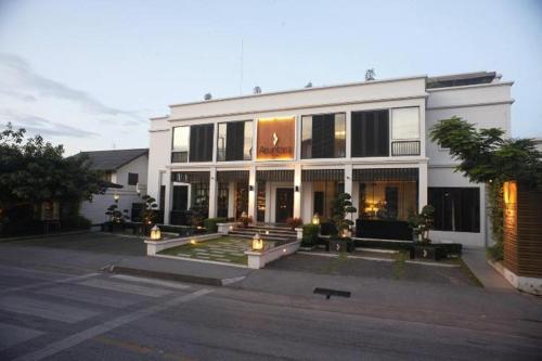 Aruntara Riverside Boutique Hotel