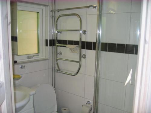 Ett badrum på Strandstugan