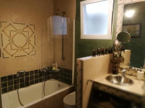 A bathroom at Casa con vistas