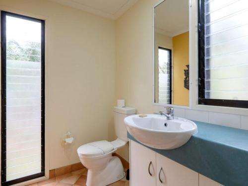 A bathroom at Straddie Beach House 2
