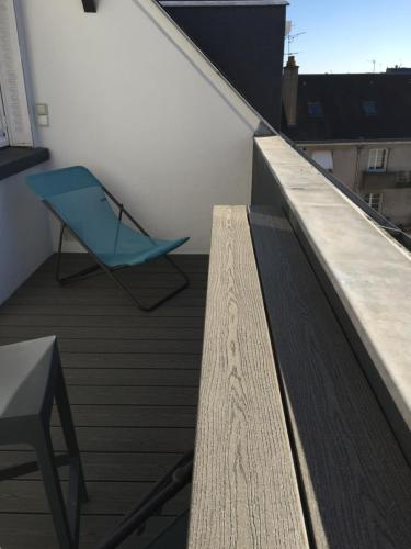 A balcony or terrace at Appartement duplex, Tours centre