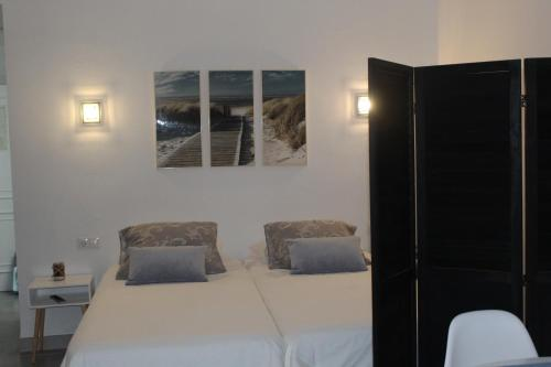 A bed or beds in a room at Studio banus