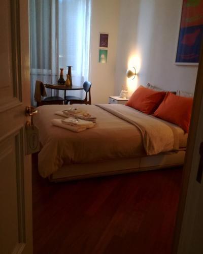 Postel nebo postele na pokoji v ubytování La finestra di fronte