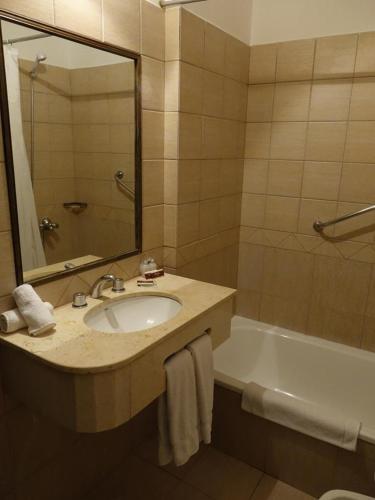 Duomi Plaza Hotel