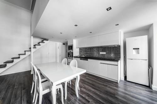 A kitchen or kitchenette at Király 28 Entire Aircon Center Apartment