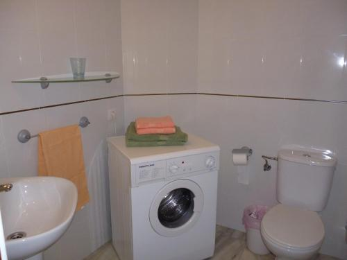 A bathroom at El Beril and Altamira apartments