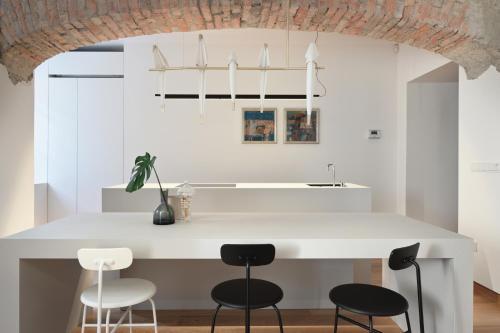 A kitchen or kitchenette at yuki & bal 4*apartment