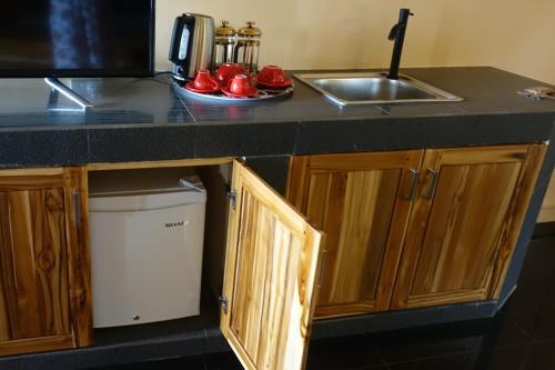 A kitchen or kitchenette at Caimeo Beach Resort