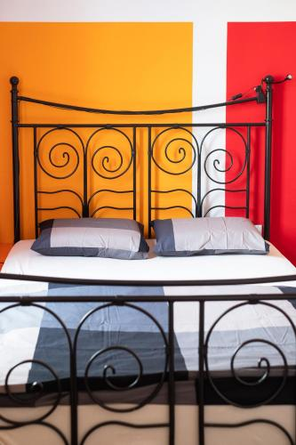 A bed or beds in a room at Fluxus Hostel